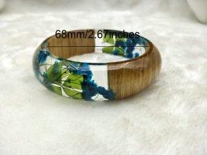 flower resin bracelet