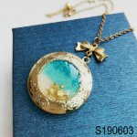 locket-pendant-necklace