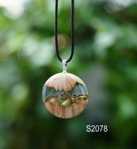 wood resin pendant